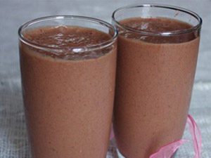 Шоколадно-клубничный напиток
