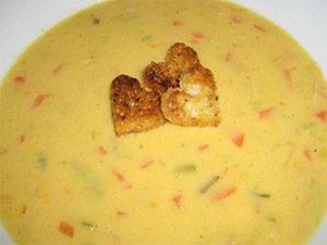 Суп с хлебом и сыром